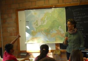 lezione in classe alle scuole medie Panzini