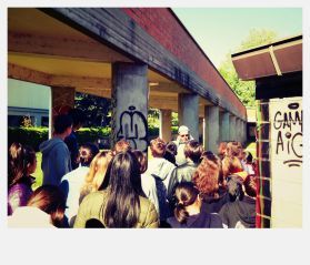 rimozione dei graffiti alle scuole Panzini